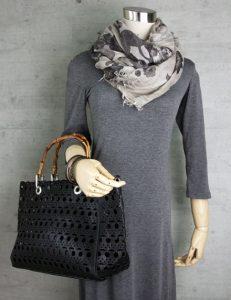 黒のバッグ